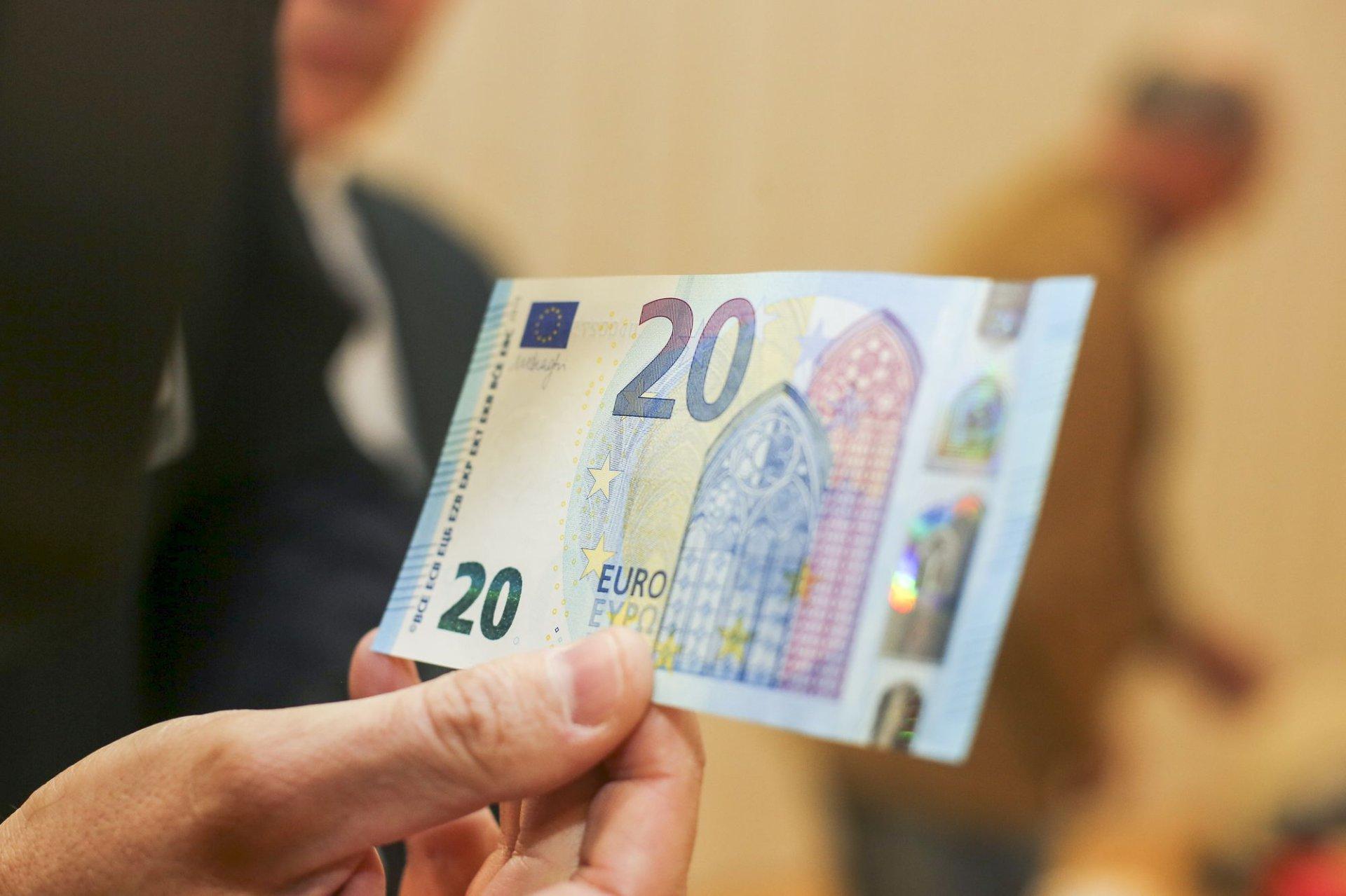 kaip teisingai investuoti į internetą kaip legaliai užsidirbti pinigų iš bitkoinų