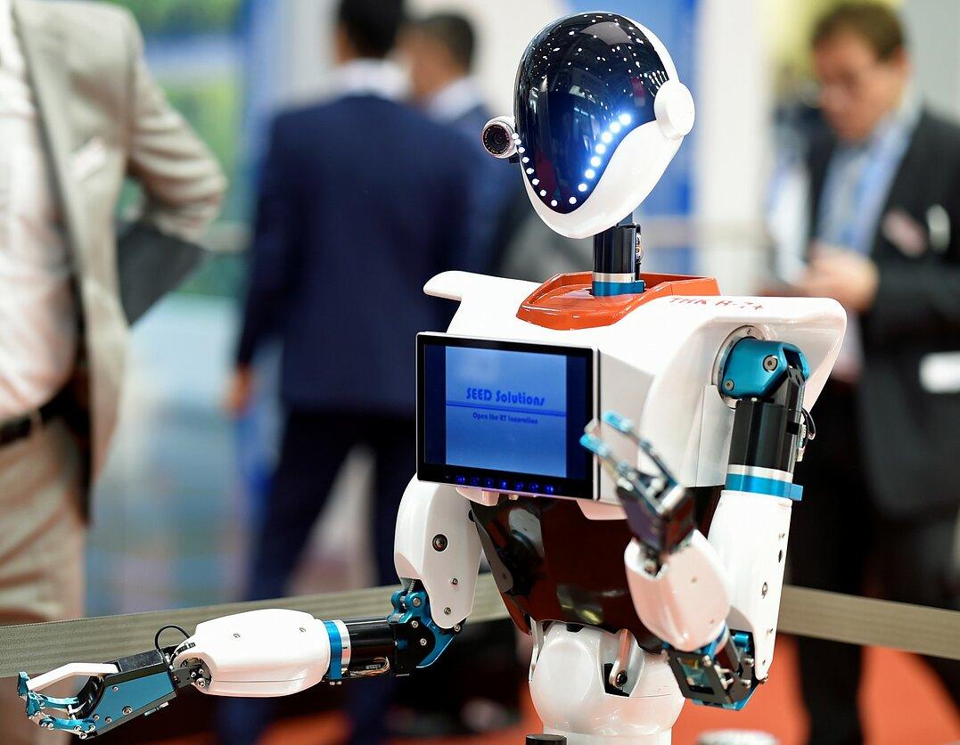 Kaip finansų rinkose pasinaudoti automatine prekyba?