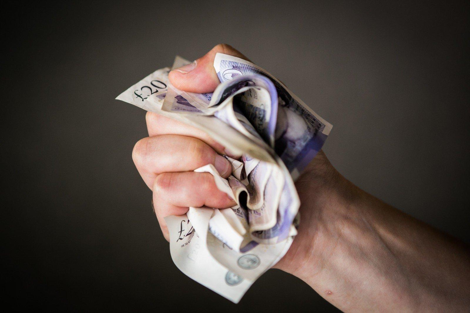 greitai uždirbti pinigus gali būti neteisėta interneto uždarbio premijos