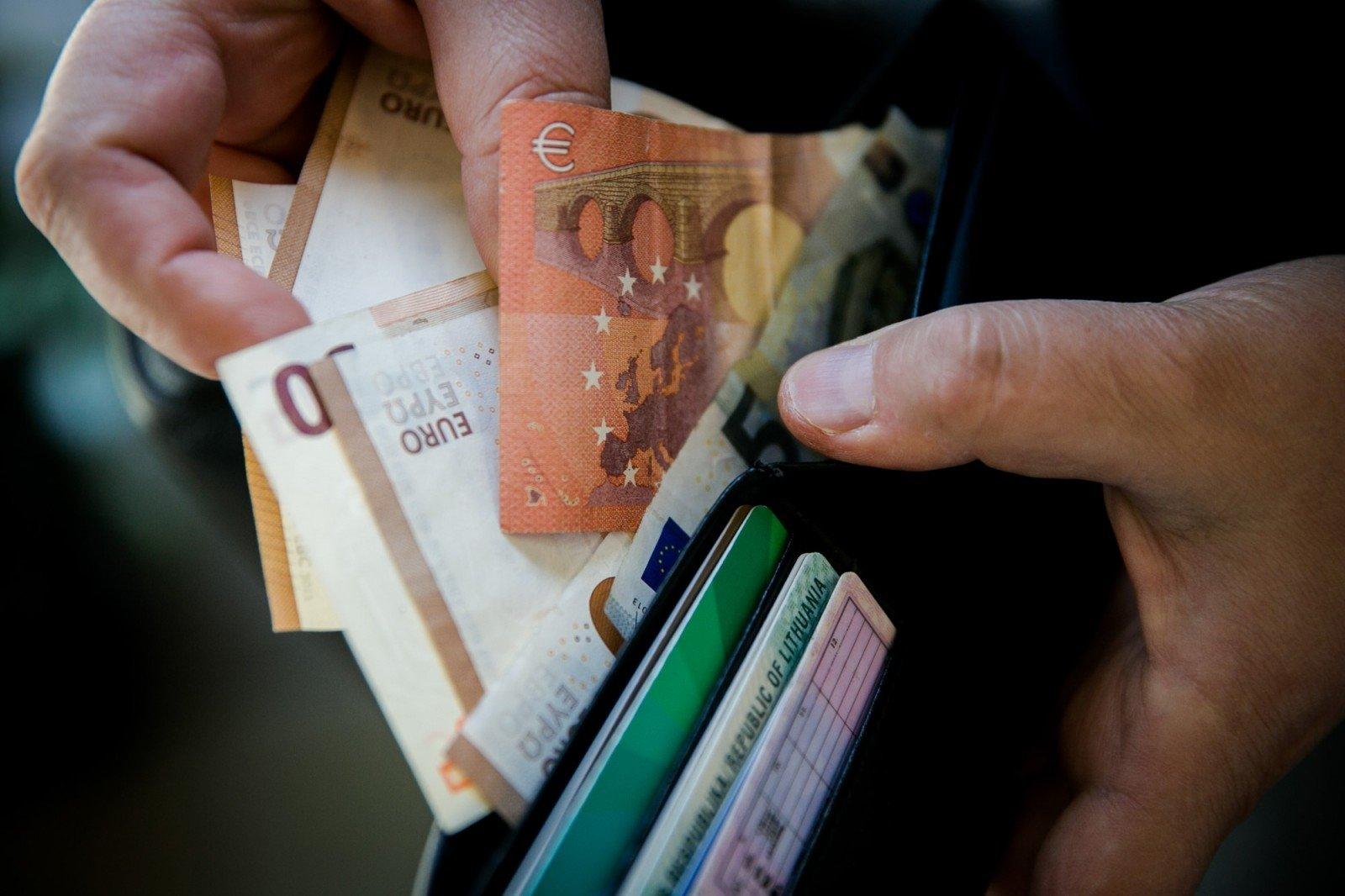 uždarbis internete pervedant atlyginimus kasdien ta5 užsidirbti pinigų